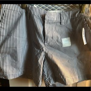 """Old Navy 5"""" striped shorts. New with tags"""
